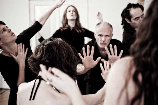 Adam Barley jde ve svých workshopech až na dřeň. foto: veřejný zdroj